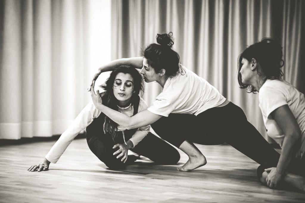 Lezioni e Corso di Danza Contemporanea Danzautori con Marta Zacchigna Dancing House Trieste